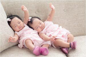 identical-twins